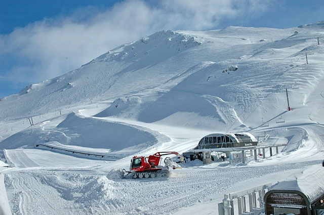Mount Hutt skifield, NZ.