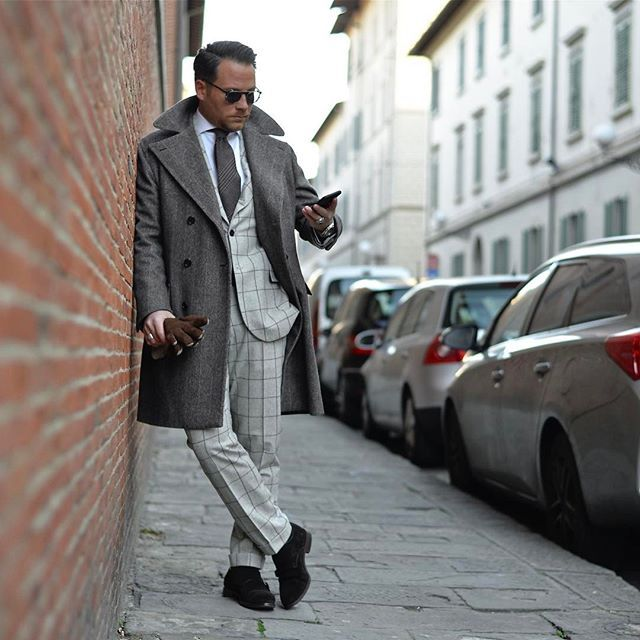 PM Eleganza Milanese® Bespoke Tailoring / Su misura / Kwaliteits Maatpakken 📍Antwerpen Volkstraat 28 📍Milano (Brera) By appointment 🌍www.pmeleganzamilanese.com 📞+32485662464 📸 @chillaxingroad  #pmeleganzamilanese #massimopirrone #vitalebarberiscanonico1663