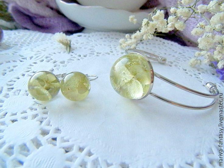 Купить Комплект браслет и серьги бохо зеленая гортензия - салатовый, настоящие цветы, гортензия