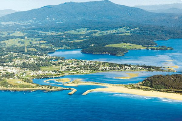Narooma from the air. That's where we going. Mini paradise