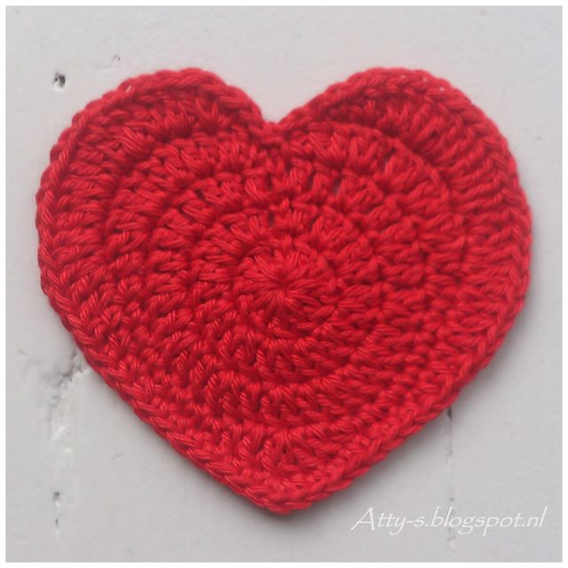 Heart Coaster pattern by Atty van Norel