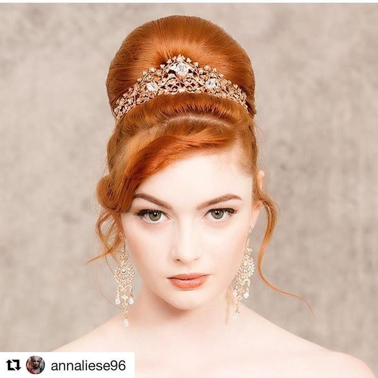 Red hair and rose gold hand made Wendy Louise tiara fabulous! The beautiful @annaliese96 modelling for us recently photo by @littlegalleryphotography mua @dewy_beauty Gown by @jordannaregancouture #redhairdontcare #tiara #bespoke #handmadeluxury #crown #bridalaccessories #weddinglooks #bridalinspo #brisbanebrides #rosegold #rosegoldbride @wendylouisedesigns @brisbanearcade