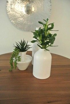 Table decor #vase #minimalist #homestagingvancouver