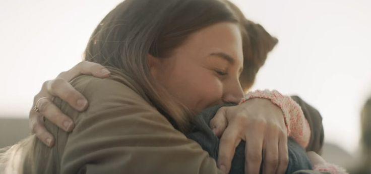 Ένα βίντεο που είναι ένα «γράμμα αγάπης στη μαμά» που μία κόρη δεν έγραψε ποτέ. Περιγράφει με μοναδικό τρόπο την ξεχωριστή σχέση που υπάρχει μεταξύ μίας μαμάς και της κόρης της. Τις πολύτιμες στιγμές και τις δύσκολες στιγμές. Η αγάπη μεταξύ μίας μαμάς και της κόρης της είναι μοναδική.
