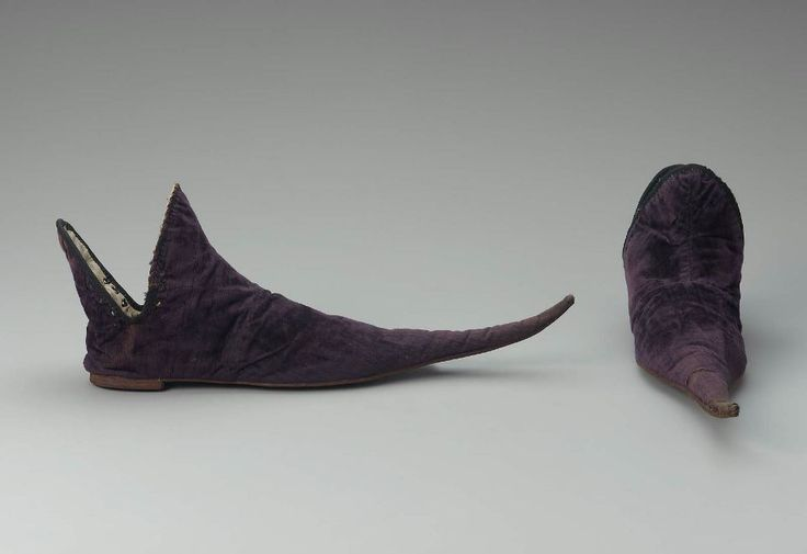 Pair of poulaine (aka crakow) shoes, made in France in the 15th century