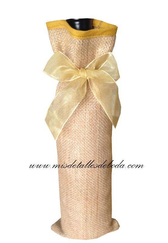 Precioso saco rustico para botellas de vino o licor, saco de yute, arpillera artesanal para vino bolsa para vino, funda para vino http://www.misdetallesdeboda.com