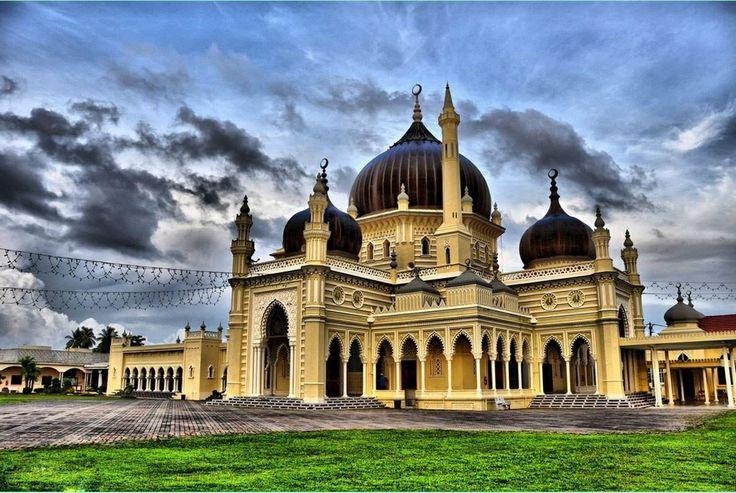 Zahir Mosque, Kedah, Malaysia http://www.acenature.com/most-beautiful-mosques-in-the-world/