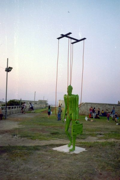 An Exhibition of Metal Sculptures, on the Walls of Akko. photo mirjam Bruck-Cohen
