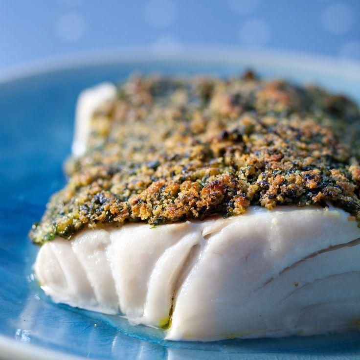 Découvrez la recette Pavé de cabillaud en croûte d'herbes sur cuisineactuelle.fr.