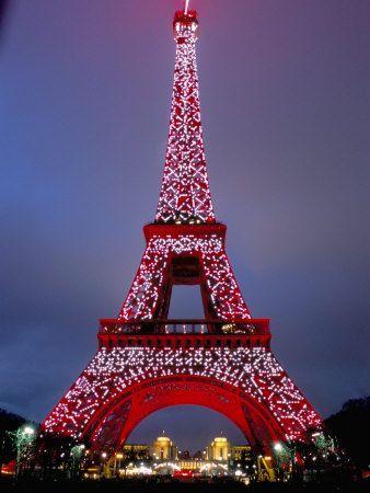 La Tour Eiffel in Christmas time.