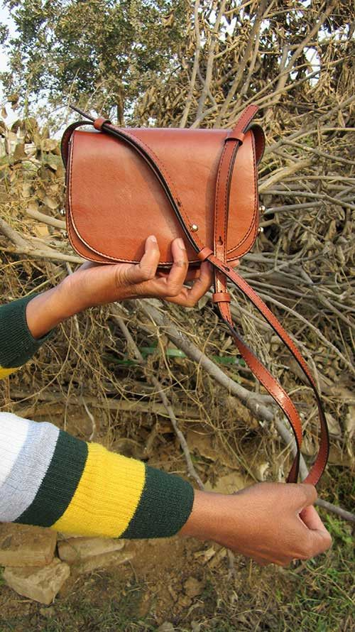 Carrot Little Stefanie, Chiaroscuro, India, Pure Leather, Handbag, Bag, Workshop Made, Leather, Bags, Handmade, Artisanal, Leather Work, Leather Workshop, Fashion, Women's Fashion, Women's Accessories, Accessories, Handcrafted, Made In India, Chiaroscuro Bags - 1