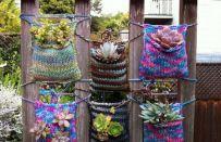 Borse fatte a maglia per contenere le nostre piantine: quando il knitting incontra il giardinaggio!