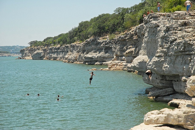 Pace Bend Park on Lake Travis... I so wanted to jump off of this cliff, but Danyel wouldn't do it with me.  :-(  I had to settle for a smaller one about 1/3 of the height.  Oh well... Next time!