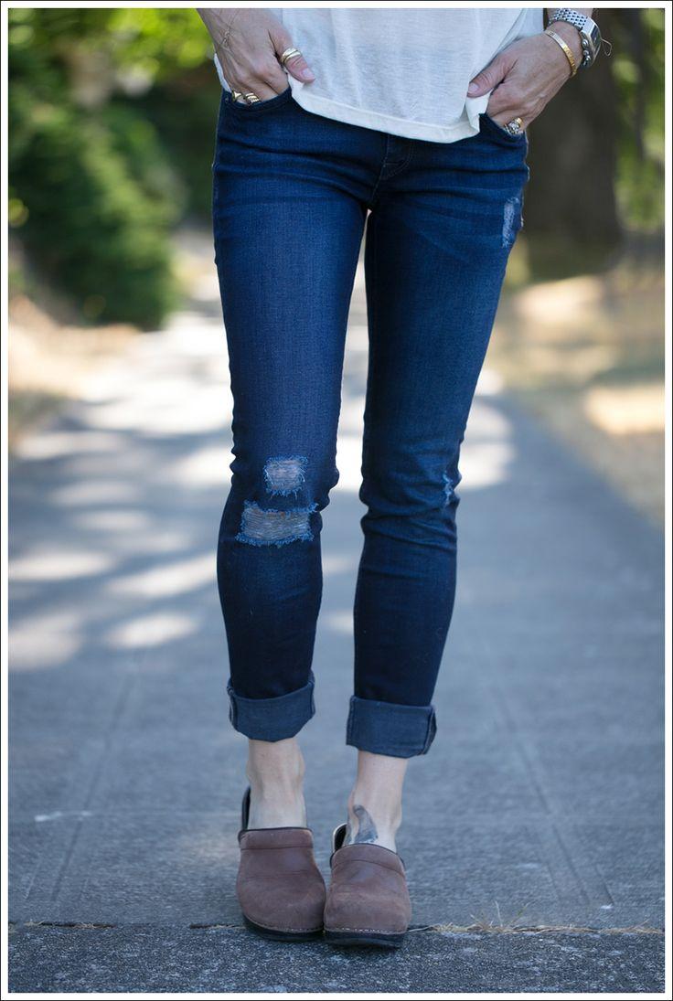 Blog StyleMint Tee Scarf DL1961 Amanda Skinny Seville Dansko Brown Clogs-2