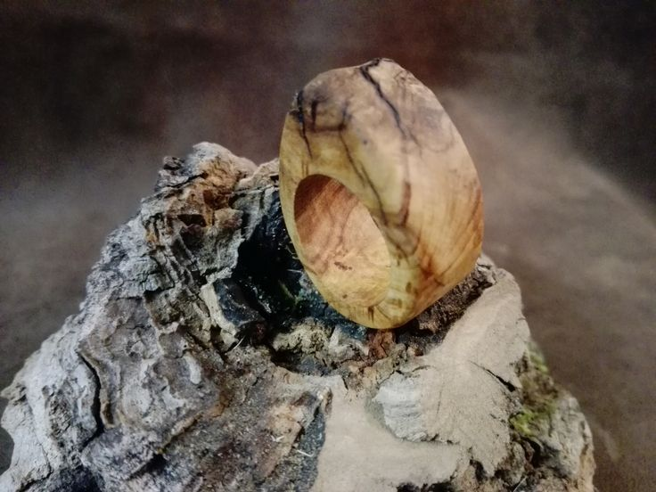 Bague en bois d'olivier