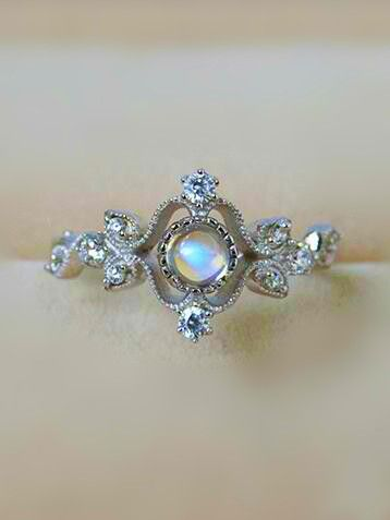 antique art deco moonstone silver engagement ring for her from jewelsin.com anillos de compromiso | alianzas de boda | anillos de compromiso baratos http://amzn.to/297uk4t