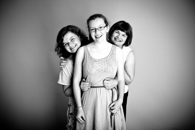 Girls Portrait in Auckland by Ilan Wittenberg