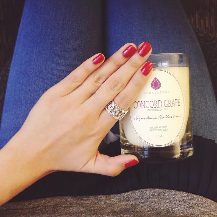 The luscious, soft aroma of sweet grapes meld seamlessly with the fresh scent of ripe vine picked grapes to create a deeply aromatic fruity scent. Each Signature Concord Grape Candle contains one mystery ring valued at $15 to $7,500. This candle features a higher minimum jewelry value than our Classic Collection.