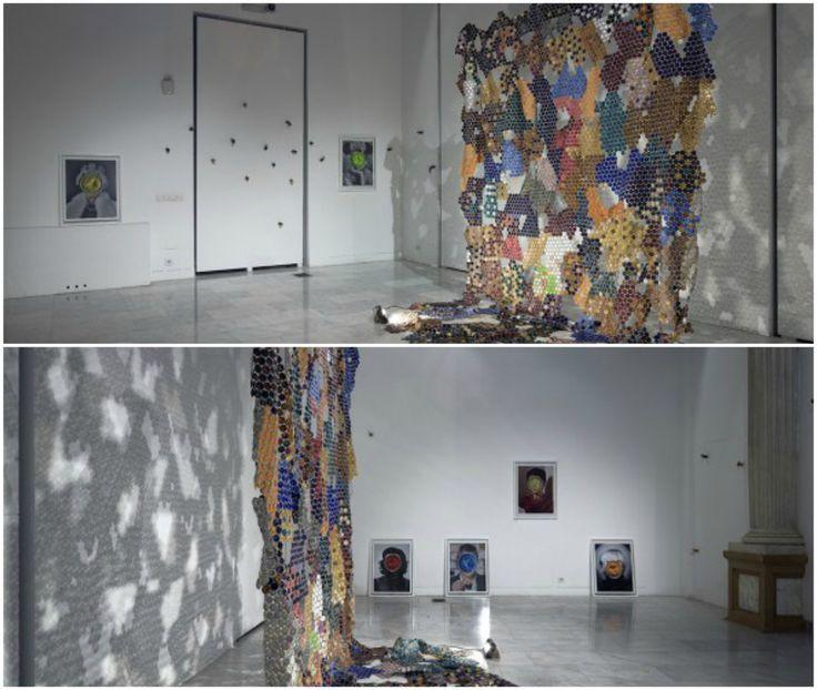 Arta cu aroma de cafea - Carlos Toria a realizat o instalatie folosind cescute de cafea expresso de diferite culori. Detalii pe blog: http://www.manufacturat.ro/fara-categorie/arta-cu-aroma-de-cafea/