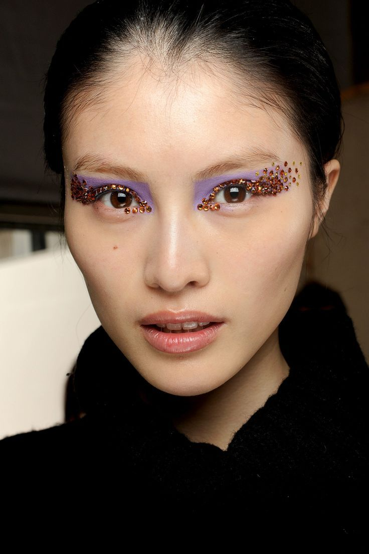 Sparkle shine glitter hair and makeup feathers shimmer - Dior S Sparkling Spring Summer 2013 Eyes If International Make Up Artist Pat Mcgrath Creates A Backstage Beauty Look At The Shows Chances Are We Re Going