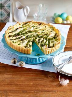 Ganz besonders lecker schmeckt ein Stück Blätterteig-Quiche mit einem Glas trockenem Weißburgunder. ZUM REZEPT >>