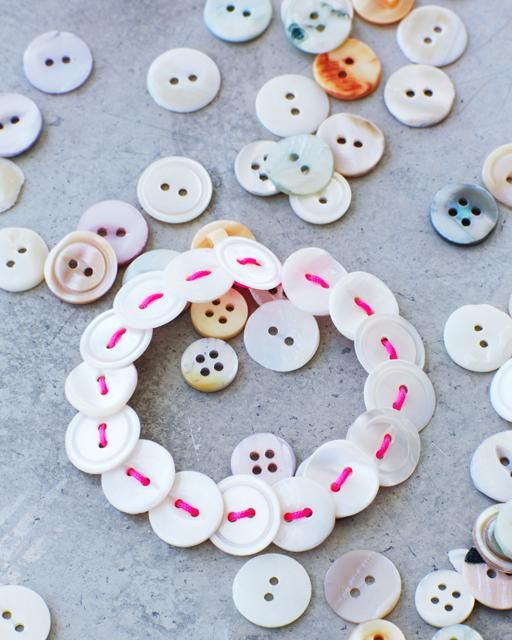 Lova's World: Beautiful Button Bracelets