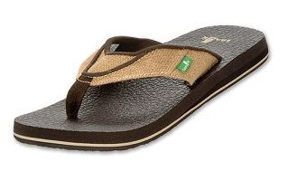 """The """"Beer Cozy"""" Jute Sandal from Sanuk features a yoga mat footbed, and a natural jute fibre strap. They're casual, comfortable, and 100% vegan. Just make sure you pick up some vegan sunscreen to avoid flip-flop burn on those hotter days! http://www.onegreenplanet.org/lifestyle/the-joys-of-jute-8-eco-friendly-jute-products/4/"""