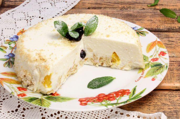 Торт без выпечки из печенья и сгущенки — 7+ рецептов вкусных и простых десертов - http://life-reactor.com/tort-bez-vypechki-iz-pechenya-i-sgushhenki-7-receptov/