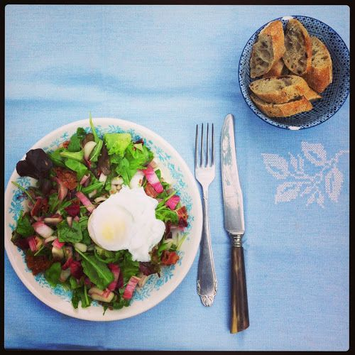 salade lyonnaise // recept http://hoge-hakken.blogspot.de/2013/08/salade-lyonnaise.html