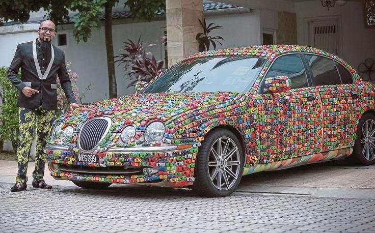 Dato Seri kumpul 4600 kereta Hot Wheels dan tampal pada Jaguar miliknya   Selagi tidak dapat selagi itu saya akan cuba mendapatkannya kerana ia adalah prinsip yang saya pegang sejak dulu jika inginkan sesuatu kata peminat kereta mainan Hot Wheels Datuk Seri Mahadi Badrul Zaman.  Menariknya koleksi berkenaan tidak disimpan dalam kotak pameran tetapi menggunakan kreativiti dengan melekatkan kereta mainan itu pada kereta Jaguar S-Type miliknya.  Lihat saja penampilan dan gaya Mahadi 34 atau…