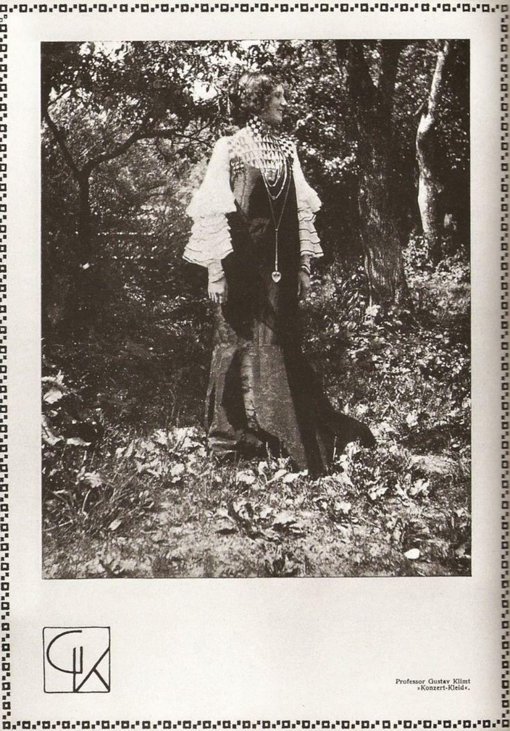 published in Volume 19 of Deutsche Kunst und Dekoration (1906/07),
