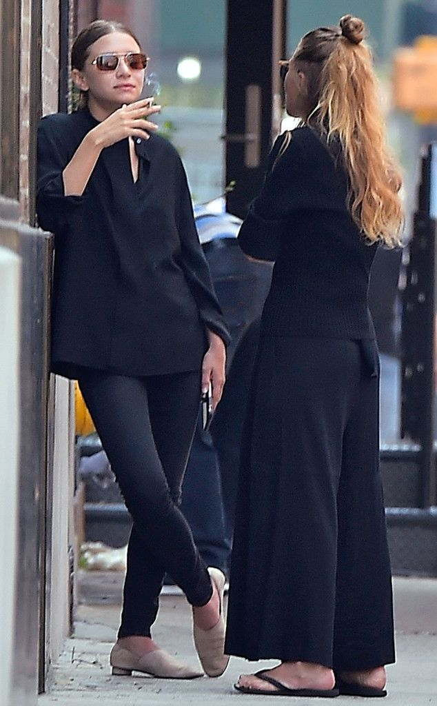 Mary-Kate Olsen & Ashley Olsen from The Big Picture: Today's Hot Pics  The fashionista twins dress alike before their big presentation for their line The Row.