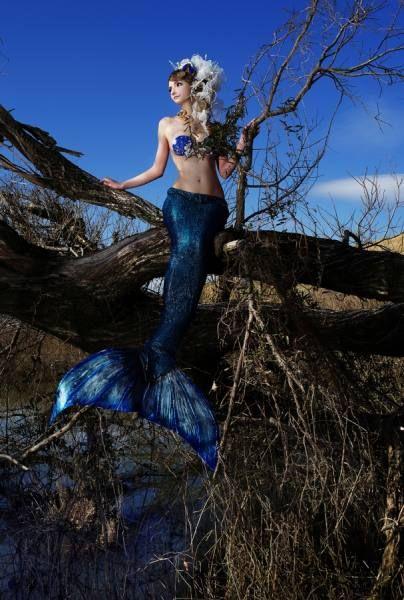 Photographer HASEO HASEGAWA  Captive Mermaid  ONE EYELAND