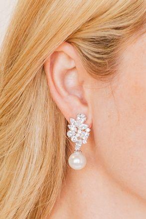 Shandi earring  #wisteriabridal #untamedpetals