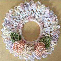 ☆ご覧頂きありがとうございます^ - ^☆こちらは、私の母が一つ一つ、丁寧に心を込めて編みました、レース糸のキレイなマーブル色シュシュです☆☆可愛いお花薔薇付き、涼しげな紫陽花色シュシュです♡(お色違いも出品中です^ - ^)☆太いリングゴム(直径約5㎝)を使用しており、シュシュは、2段編んでおります。サイズは、横幅約12cm程です。☆追加や、オーダーメイド大歓迎です!!(*^ - ^*)☆夏の髪のオシャレ/ヘアアクセサリーかぎ針編み/手作り/レース編み/手編み/シュシュ/ヘアゴム/コースター/ドイリー/コサージュ/handmade/レース糸母の日プレゼントなどにもいかがでしょうか?(^-^)/♡