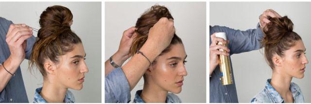 4. Pegue uma pinça de cabelo e fixe no coque para que ele grude na cabeça e mantenha sua forma. Você pode brincar um pouco para obter a aparência desejada. Use spray fixador para manter tudo no lugar.