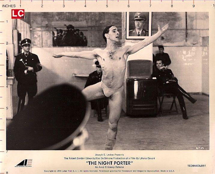 El Portero de noche (en italiano: Il Portiere di notte) es una película dirigida…