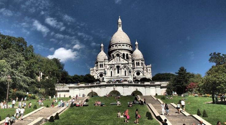 """""""Een paar dagen Parijs heeft mijn gedachten beïnvloed, tevens mijn visie op de huidige maatschappij. Een eye-opener die je niet mag missen"""" - Lees verder op www.reiskrantreporter.nl/reports/2777"""