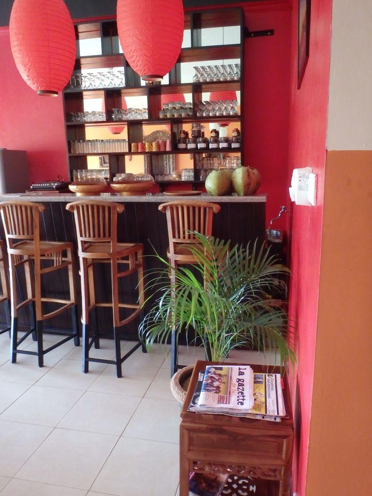 The Bar of Café Le Petit Paris