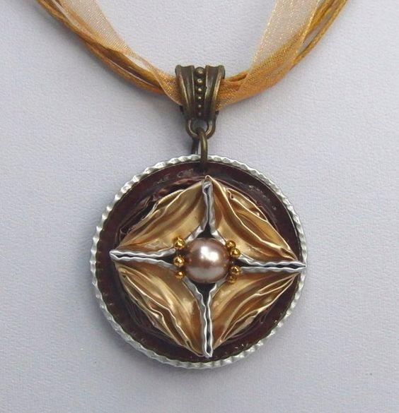 Colliers - Ausgefallenes Collier aus Nespresso-Kapseln - ein Designerstück von schmuckkreation-petra bei DaWanda: