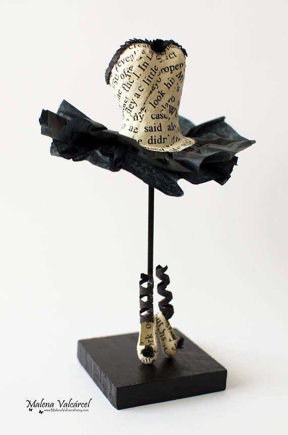 Ballerina in miniatura carta abito e scarpe  scultura di