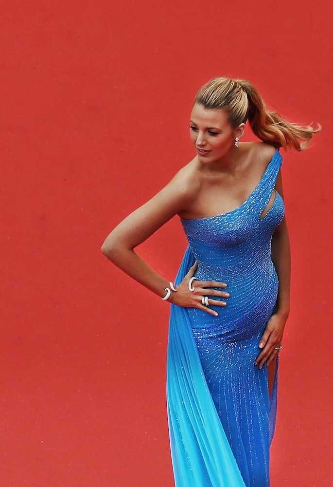 Pregnant Celebrities UK Style File | Fashion Celebrity Style | ELLE UK