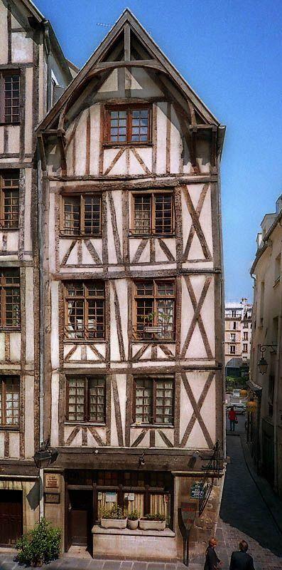 Les 25 meilleures id es concernant maisons tudor sur for Maison style cottage