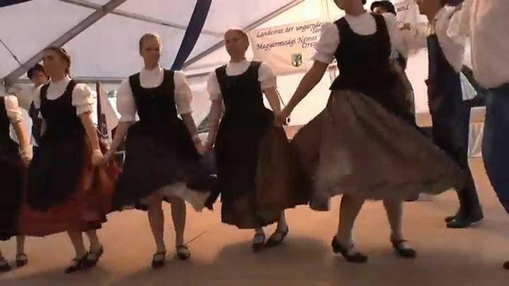 Volkstanzgruppe aus TAKS beim Landestreffen der ungarndeutschen Schwaben...