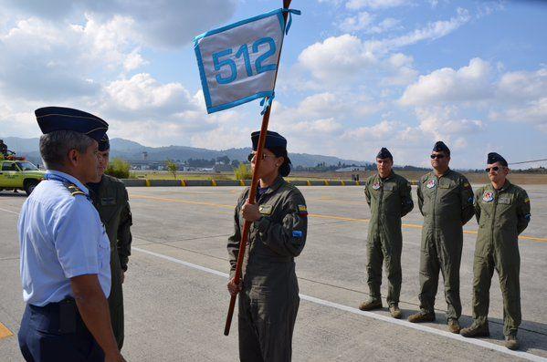 """Primera Mujer piloto de  Halon Negro, La CT. Charry volará como cdte. Helicóptero """"Ángel"""", dispuesta a salvar la vida de #colombianos Noticias de la Fuerza Aérea de Colombia - Página 114 - América Militar"""