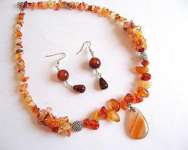 #Set #colier si #cercei #bijuterii #pietre #agate  - #culori #vii : #maro inchis, maro deschis, #portocaliu , #rosu , #galben , #alb