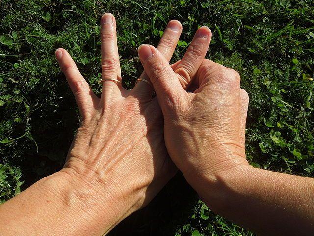 Starobylá japonská terapie, známá jako Jin Shin Jyutsu, je terapie, která je zaměřená na masáž rukou. Díky této masáži můžete sami sebe, či někoho v okolí