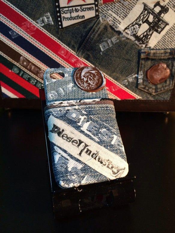 スマホケースの在庫検索『カスタムケース』からお願いします。ダブルCardポケット仕様です。デニムはディーゼルR55を使用しています。今では、すっかり既製品でも... ハンドメイド、手作り、手仕事品の通販・販売・購入ならCreema。