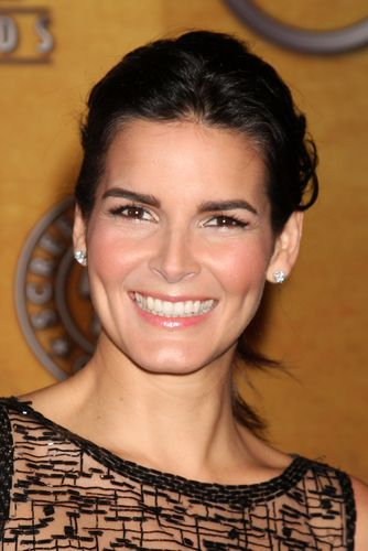 The View: Angie Harmon Rizzoli and Isles & Christmas Alien Marathon