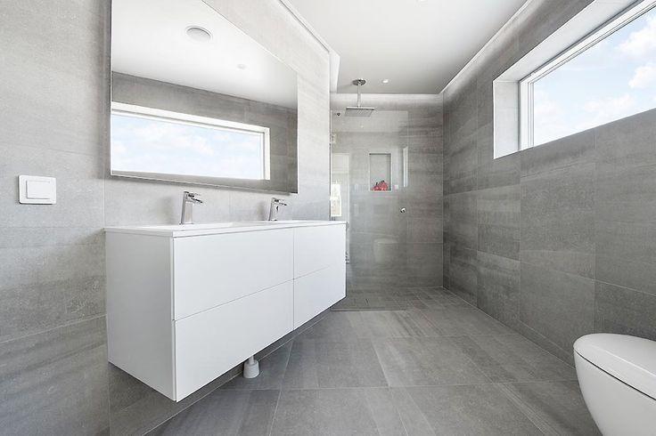 Bricmate J66 Limestone Light Grey J1515 i dusch  #Bricmate #Kalksten #Badrumsinspiration